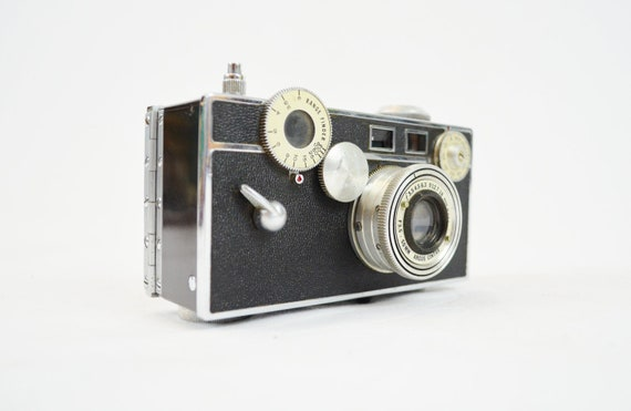 Vintage Argus C3 35mm Rangefinder Camera with Original Case and Extras