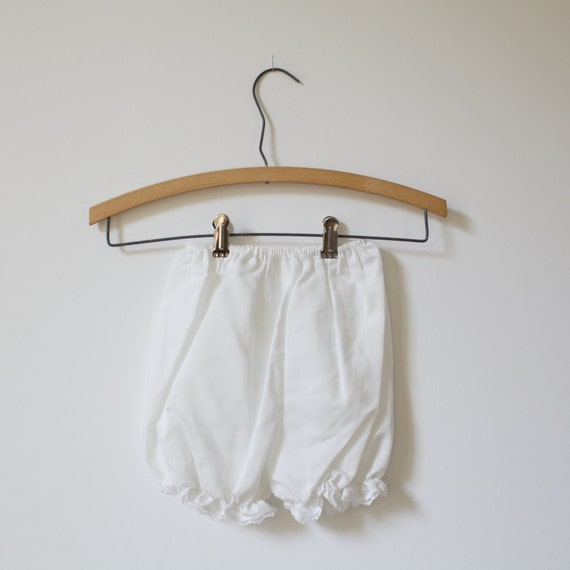 Vintage White Lace Trimmed Bloomer Shorts (3T)