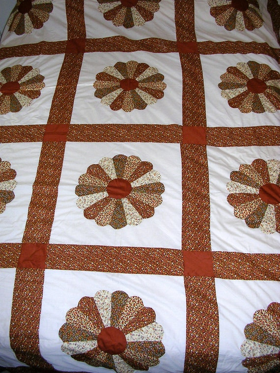Vintage Quilt Top Amish Dresden Plate 1