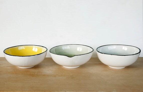 Japanese ceramic nesting bowls yellow, green, blue , Pottery tableware bowls , dinnerware bowls, japanese style