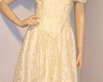 Vintage 80's OFF the shoulder   Gorgeous Lace Party /Prom Dress Sz 8