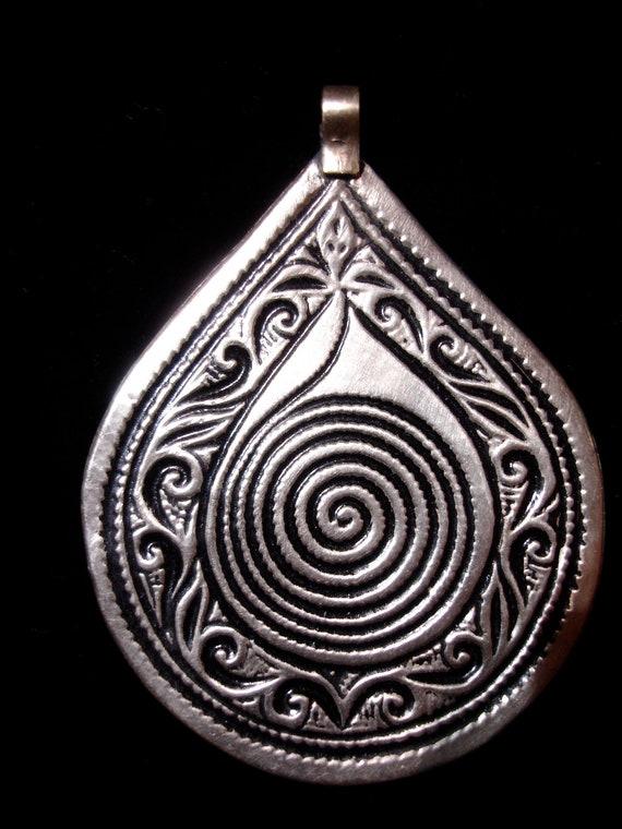 Spiral Moroccan  pendant