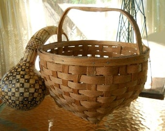 Large Vintage Hand Woven Nantucket  Basket Hardwood Carved Handle New England States Circa 1940's- 50's Home Decor Farmhouse Prairie Cottage
