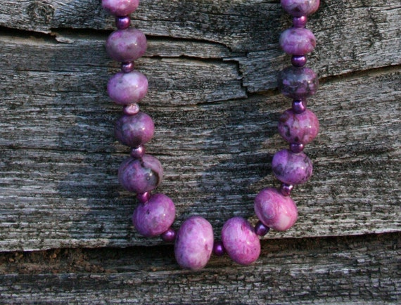 Fresh Water Pearl & Magenta Agate Necklace Set
