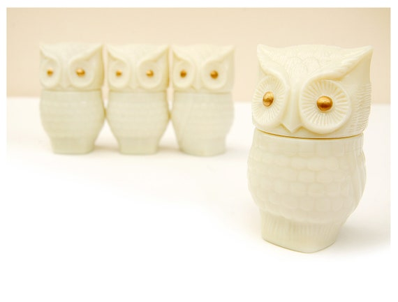 vintage owls, Set of 4 glass bodied owls, perfume bottle, cream, white, gold,figurine collectible, avon 1970s