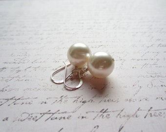 Ivory Swarovski Pearl Earrings, Bridal Jewelry, Swedish Jewelry Design, Made in Sweden, Swedish Wedding Design, Scandinavian Jewelry