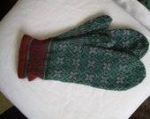 Handknit Mittens, Green, Latvian Pattern