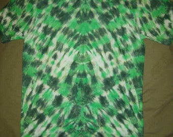 Tie dye shirt - mens small green checkerboard