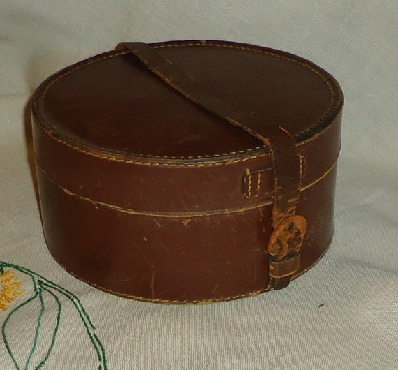 Vintage Leather Collar Case with Three Collars, 1920s/1930s