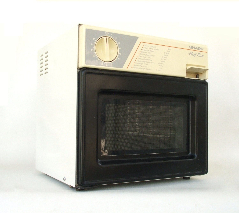 Sharp Half Pint Microwave Oven Kitchen Appliance Vintage