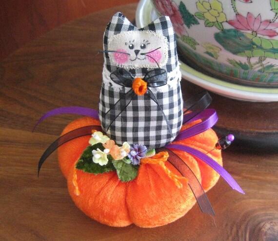 Halloween Cat Pincushion 4 x 3 GINGHAM Print Primitive Prim Fall Autumn Cloth Doll Decoration Soft Sculpture Folk Art