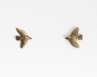 Golden tiny bird studs