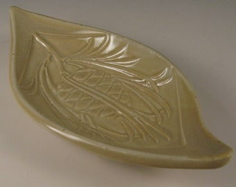 Pinecone design spoon rest - soap dish - jewelry dish - trinket tray