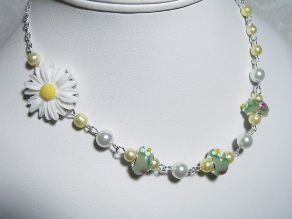 White Daisy Resin Flower & Daisy Lampwork Romantic Floral and Silver Necklace