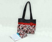 Gift Set - Purse and Sanitary Pad / Tampon Pouch - Red, black and white Paisley - Cotton - Ready to ship