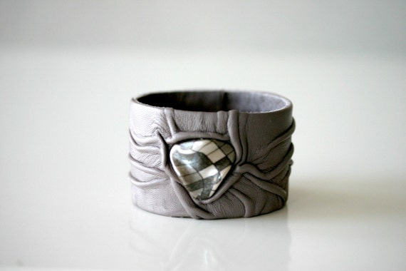 Leather Wristband, Cuff, wrinkled leather, driftwood grey