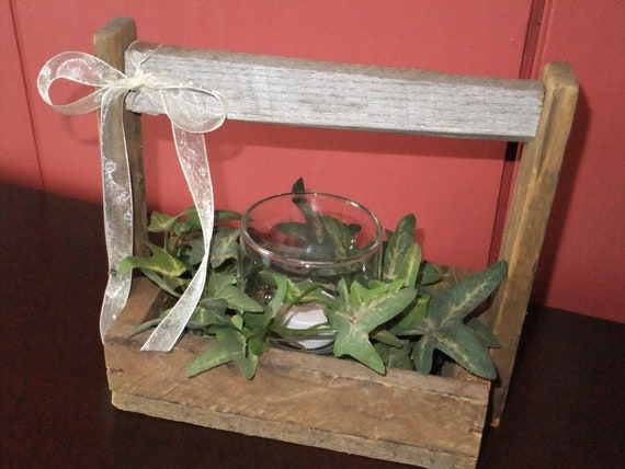 Small Wooden Box with Ivy and LED Tealight