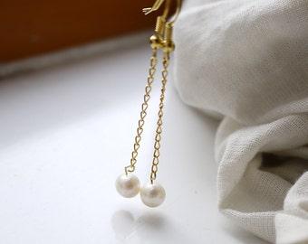 gold chain pearl earrings - ivory white freshwater round pearl gold chain fish hook dangle earrings