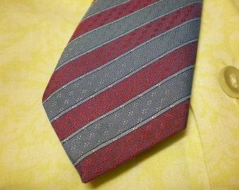 1980s narrow striped  tie