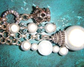 Keychain - Antique silver chain, beads, crystal beads, eternity circle and 3D Crown charm - Gorgeous in the light