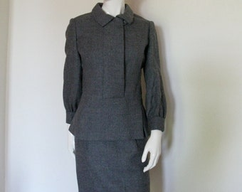 Vintage 1960s Geoffrey Beene Gray Wool Skirt Suit with Pullover Top and Pencil Skirt