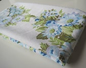 Vintage Sheet Fat Quarter - Blue and Lilac Flowers