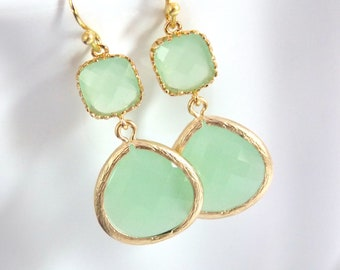 Gold Green Mint Earrings, Light Green Earrings, Gold Earrings, Wedding Jewelry, Bridesmaid Earrings, Bridal Jewelry, Bridesmaid Gifts