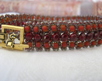 Red Beadwoven Bracelet, Dark Red, Satin Red, Traditional, Festive, Gold Clasp