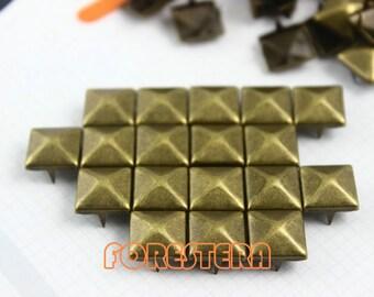 10mm Antique Brass Pyramid Stud Punk Rock Leathercraft Stud (BP10)