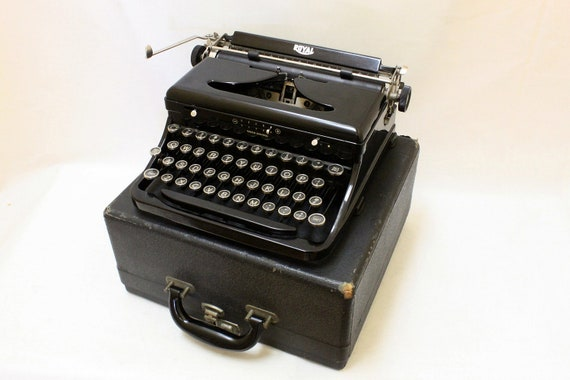 "Beautiful Antique  1930's Royal Model ""O"" Touch Control Portable Typewriter"