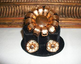 Vintage 1970's Flower Pin & Earrings Set