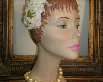 Vintage 1950's White Chrysanthemum Hat with Yellow Bow