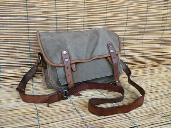 Vintage 1950's Military Olive Green Canvas Shoulder Strap Messenger Bag
