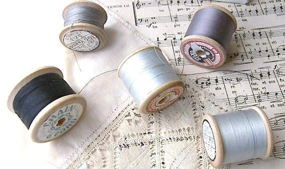 Five Vintage Cotton Reels with Black and Grey Thread, Vintage Cotton Spools, Cotton Reels with Thread, Sewing Threads