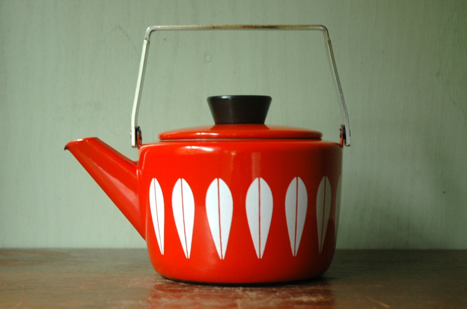 modern teapot - the teapot effect why teapots drip etsy journal