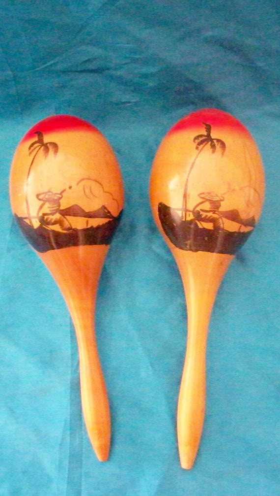 Vintage Wooden Maracas Musical Instrument Palm Tree Scene