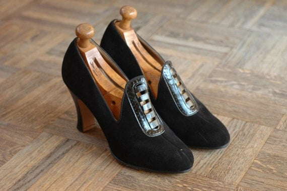 vintage NOS 1930s shoes / 30s black suede and leather heels / size 6