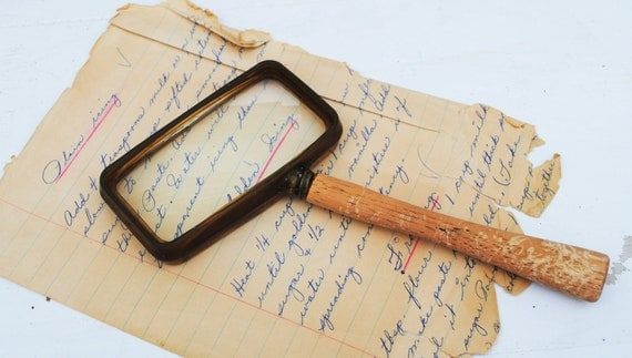 Vintage Magnifying Glass with Handle
