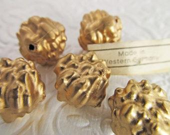 30 Vintage 8mm Matte Antiqued Gold Textured Beads Bd537