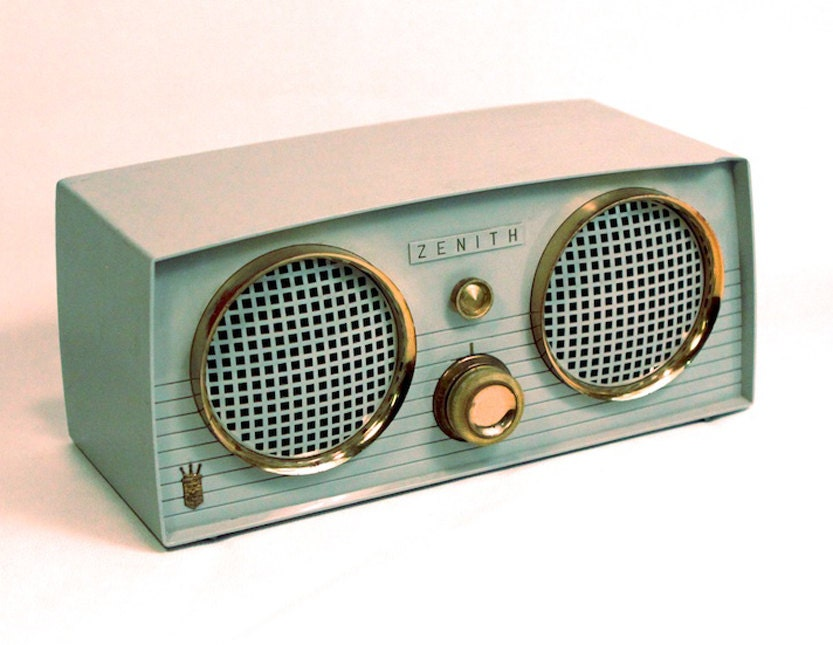 vintage zenith stereo radio repurposed with bluetooth. Black Bedroom Furniture Sets. Home Design Ideas