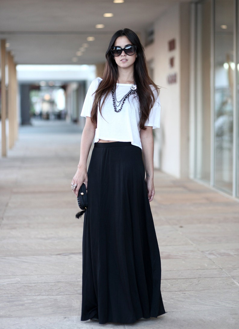 black floor length high waisted flowing evening maxi skirt