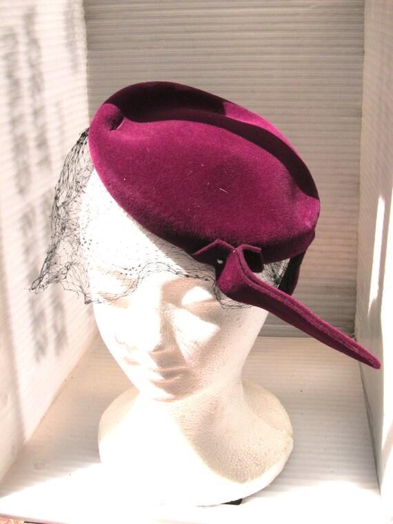 1950s Saks Fifth Avenue Purple Felt Fascinator Hat By Biak Mad Men