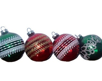 Vintage Christmas Ornaments 12 Round Glass Holly Brand Set of Green and Red