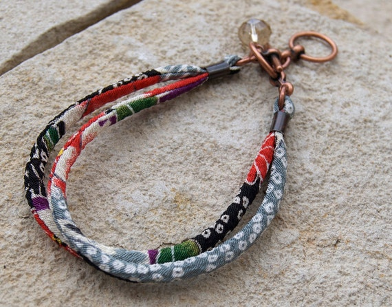 FREE SHIP Bracelet : Japanese chirimen kimono fabric cord adjustable toggle bracelet with gift box