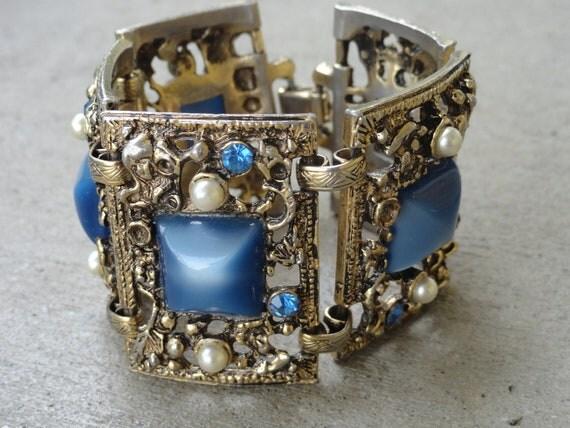 Vintage Chunky Detailed Metal Bracelet