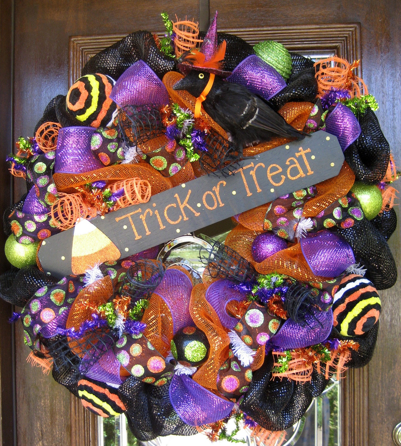 30 deco mesh trick or treat halloween wreath. Black Bedroom Furniture Sets. Home Design Ideas