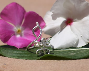 Silver Flower and Leaf TOE Ring