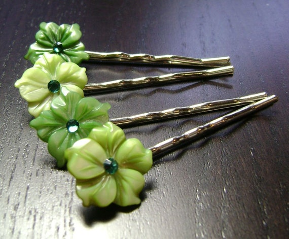 Greenery Mother of Pearl Flower Bobby Pins -- set of 4 for Bridesmaids