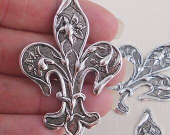 Fleur de lis stamping silver ox (x2)