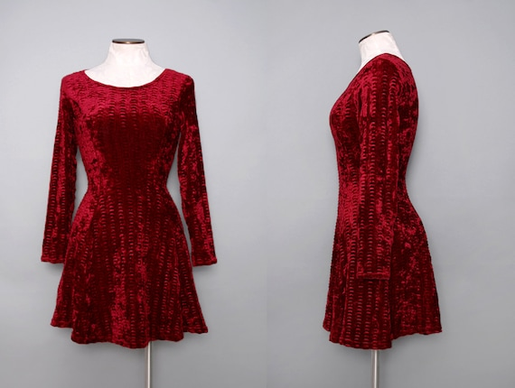 Cranberry Red Velvet Stretch Mini Dress w/ Long Sleeves Size Small 1980s Vintage